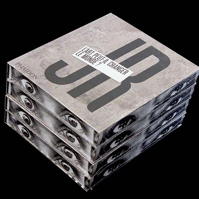 Lart-peut-il-changer-le-monde-@jr-colette-JR-colettebooks-in-store-online