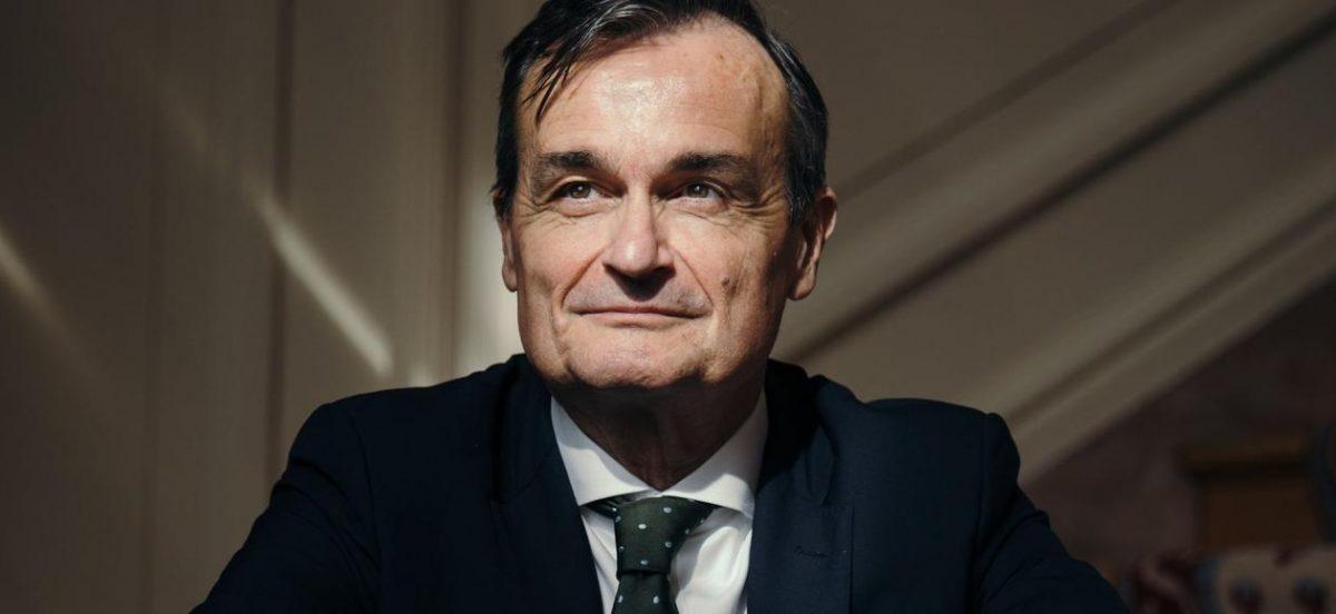 Passeport diplomatique with Gérard Araud